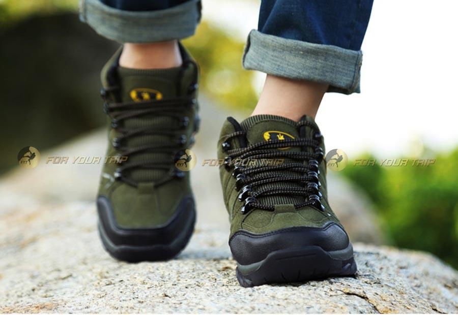 Cách chọn giày đi phượt thoải mái
